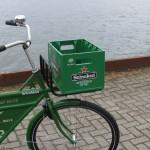 Bierkrat vervoeren op de fiets